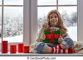 klein meisje, venster, zittende