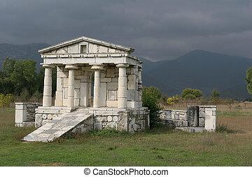 klein, tempel