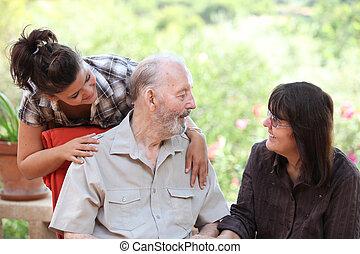 kleindochter, vader, drie, daug, het glimlachen, generaties, vrolijke
