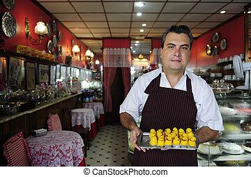 kleine, business:, eigenaar, van, een, koffiehuis, het tonen, smakelijk, gebakje