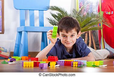 kleine, jongen, spelend, blokjes