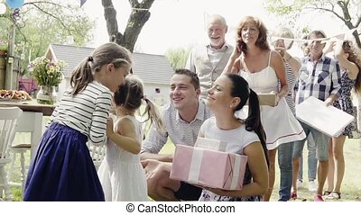 kleingarten, familie, draußen, backyard., party, oder, feier