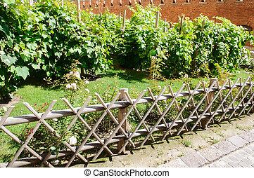 Gras Holz Kleingarten Zaun