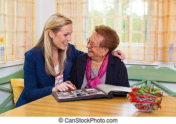 kleinkind, bezoeken, grootmoeder