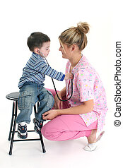 kleinkind, herz, krankenschwester, junge, zuhören