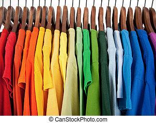 kleuren, van, regenboog, kleren, op, houten, hangers