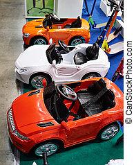 kleurrijke, auto's, in, speelbal opslag