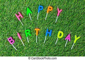 kleurrijke, gelukkige verjaardag, kaarsjes, op, akker