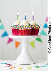 kleurrijke, jarig, cupcakes