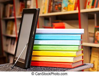 kleurrijke, stapel, boekjes , lezer, elektronisch boek