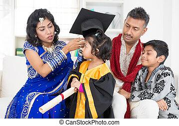 kleuterschool, afgestudeerd, gezin