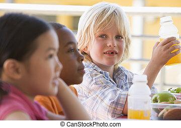 kleuterschool, etentje, eten, kinderen