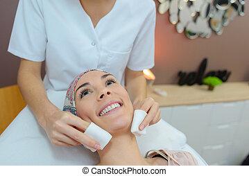 Klient, gesichtsbehandlung, Haben,  massage