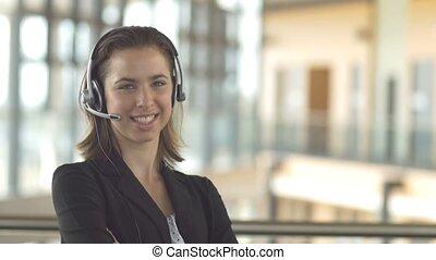 klient, słuchawki, kobieta handlowa, służba, środek, poparcie, rozmowa telefoniczna, portier