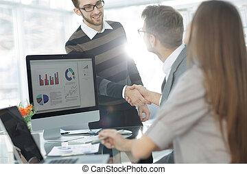 klient, välkommanden, den, chef, med, a, handslag