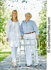 klinicysta, i, senior, pacjent