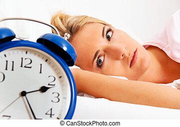 klocka, med, sömnlöst, hos, night., kvinna, kan, inte, sc