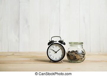 klocka, och, mynter, vita, bakgrund
