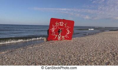 klok gezicht, op, zee, strandzand