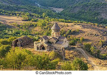 kloster, landschaftsbild, hnevank, lorri, grenzstein, armenien