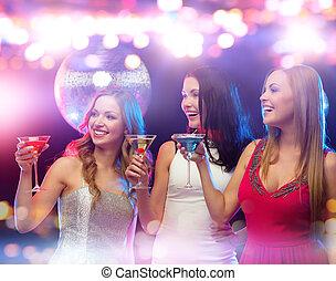 klub, cocktails, lächeln, frauen, nacht