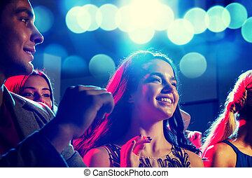 klub, lächeln, friends, tanzen