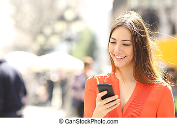 klug, frau, orange, tragen, telefon, mã¤nnerhemd, texting