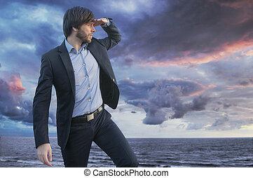 klug, junger, kerl, beobachten, der, horizont