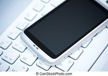 klug, telefon, auf, laptop