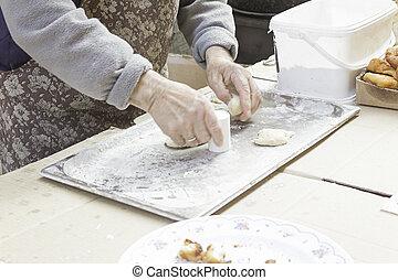 kneading desserts