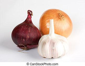 knoflook, en, ui, groentes, op wit, achtergrond