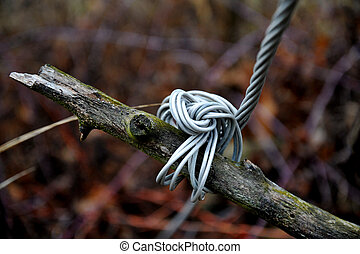 knotted aluminum wire cable image