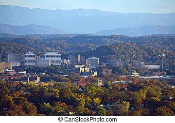 knoxville, skyline, com, montanhas esfumaçadas