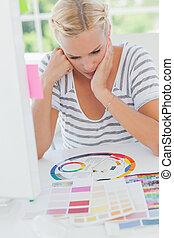 koło, projektant, barwa, patrząc, zamyślony, wewnętrzny