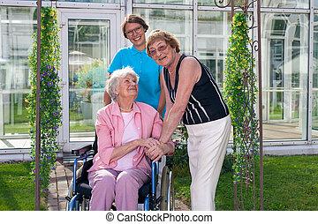 koło, stary, takers, pacjent, uśmiechanie się, krzesło, troska