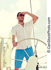 koło, sunglasses, jacht, młody, sterowniczy, człowiek