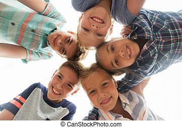 koło, szczęśliwy, grupa, dzieci, twarze