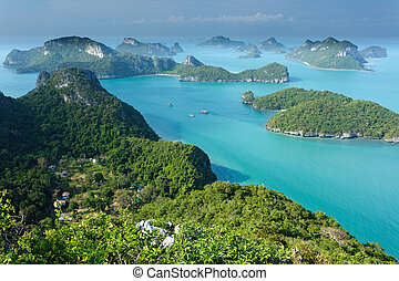 panoramic view of ko angthkong tropical marine park in Thailand
