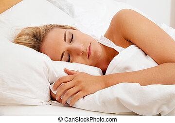 kobieta, łóżko, spanie