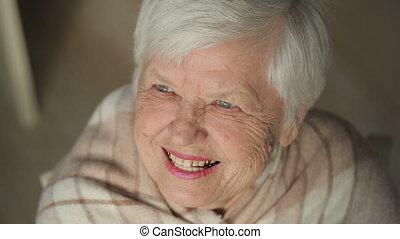 kobieta, śmiech, starszy