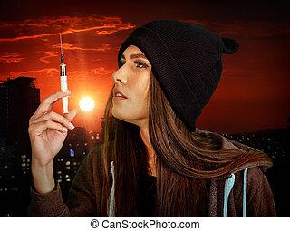 kobieta, addicted, do, strzykawka, na, zachód słońca, tło.