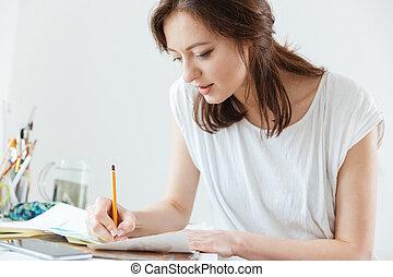kobieta, artysta, zrobienie, szkice, warsztat