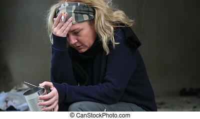 kobieta, bezdomny