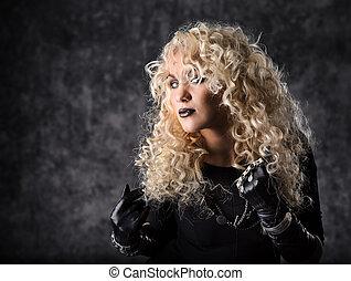 kobieta, blondynka, kędzierzawy włos, piękno, portret, w, czarnoskóry