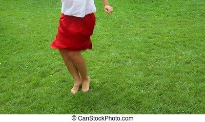 kobieta, boso, talia, taniec, na dół, video, trawa