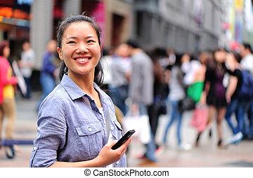 kobieta, cellphone, młody, używając, asian
