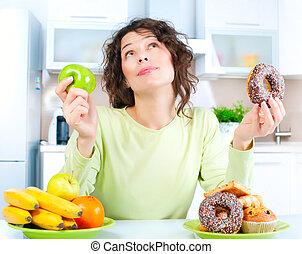 kobieta, diet., wybierając, owoce, młody, między, piękny, słodycze