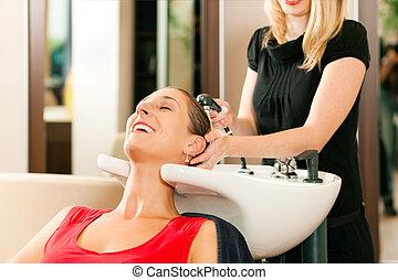 kobieta, fryzjer
