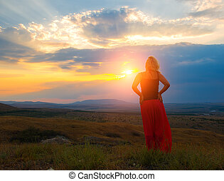 kobieta, góra, zachód słońca