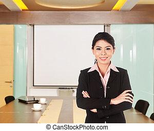 kobieta handlowa, fałdowy, ręka, asian, uśmiechanie się